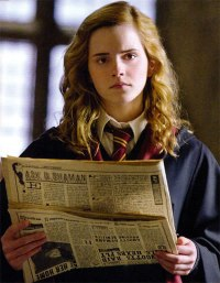 Hermione_Granger_reading_The_Daily_Prophet